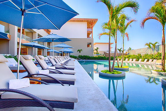 At Funjet, we believe luxury and fun go hand-in-hand. At the breathtaking Marival Armony Punta De Mita, you get the best of both worlds.